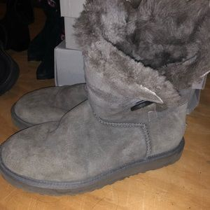 Gray ugg boots with side button